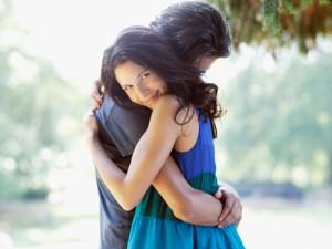 hug-for-sex-30112011